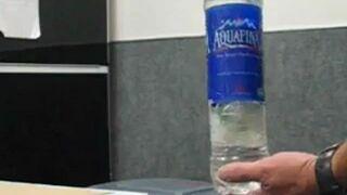 Strzeżcie się fałszywych butelek z wodą