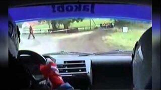 Kierowca rajdowy - co to kur... jest ! omijaj go ! - fail