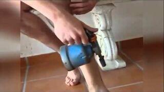 Ekstremalna depilacja nóg tzw. lut-lampą - crazy