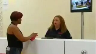 Śmieszny żart w Brazylii - Nożownik