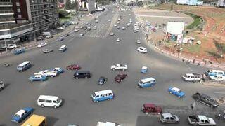 Duże skrzyżowanie bez świateł na Meskel, Addis Abeba