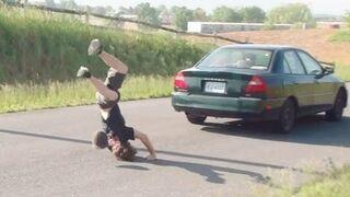 10 nieudanych skoków przez samochód