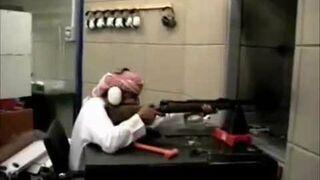 Arabowie strzelająna strzelnicy