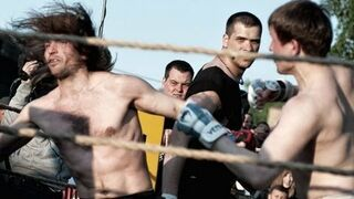 Zawodnik MMA vs Hipster z widowni