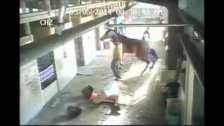 Atak Konia: Pomarańczowy stożek jest tam nie bez powodu