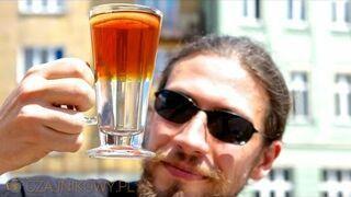 Sposób na nudną zwykłą czarną herbatę z cytryną