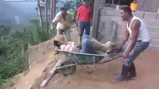 Zrzucili śpiącego kolegę z urwiska w pracy