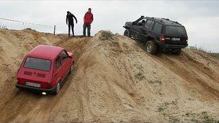Maluch vs Jeep
