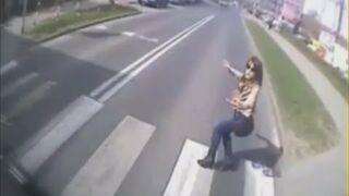 Awaryjne nagłe hamowanie autobusu w Słupsku