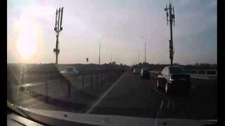 Zobacz co zrobił jednośladem na autostradzie!