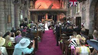 KOŚCIELNY ślub zamienia się w czyste SZALEŃSTWO.