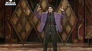 Ten facet potrafi zaśpiewać wszystko!