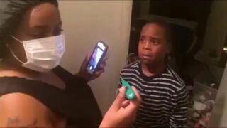 Rodzice wkręcają dzieciaka, że ma ebolę