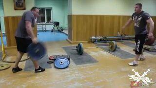 Frisbee na siłowni