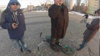 Frajer z Warszawy zabrał rower