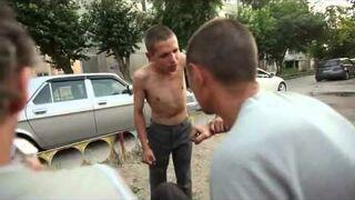Typowy Rosyjski gangster osiedlowy