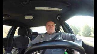 "Amerykański policjant i ""Shake It Off""..."