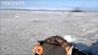Wieloryb na lodzie w Rosji?