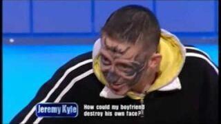 Zniszczył sobie twarz. Tatuaż - Największy idiota wielkiej Brytanii