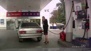 Podwójna wpadka kobiety na stacji benzynowej