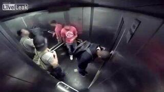 Rozwolnienie w windzie! Żart :)
