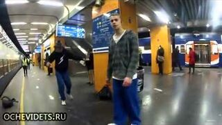 Breakdance na peronie!