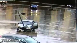 Słup na parkingu - facet!