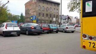 Kobieta wyjeżdża z parkingu... Gliwice