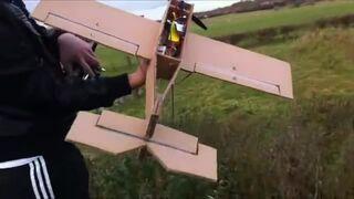 Aerodynamika? Samolot z kartonu!