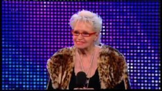 Kelly Fox ma 71 lat i postanowiła wystąpić w brytyjskim Mam Talent