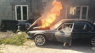 Spalili Daimlera!