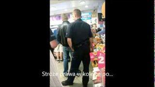 Po dziwki, a później po prezerwatywy? Policjanci na służbie!